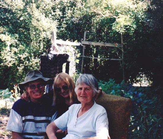 Alex & Sandra Hobbs & Grandma Gloria.